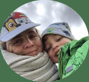 Die Gründerin des digitalen Schwimmkurses Mynia hat sich aufgrund eines ganz besonderen Erlebnisses mit ihrem Sohn dazu entschlossen, einen online Schwimmkurs zu entwickeln.