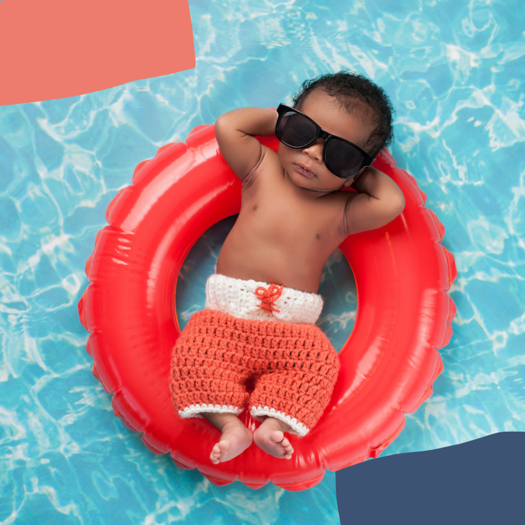 Babyswimming in a floatie